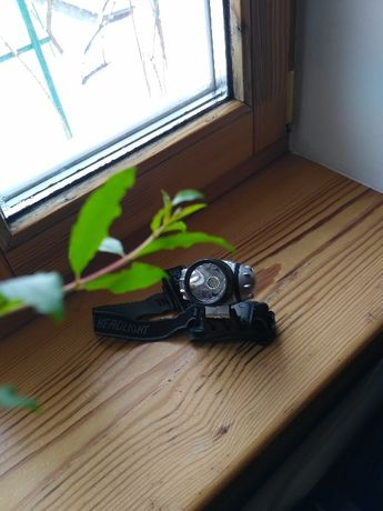 Отличный фонарь LED необходимый аксесуар в полевых условиях