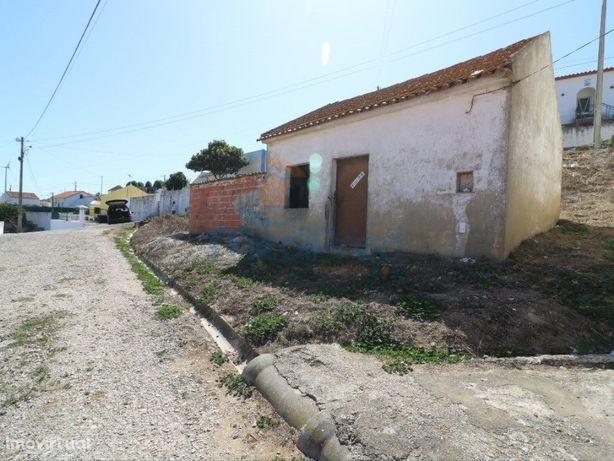 Terreno urbano em Dois Portos.