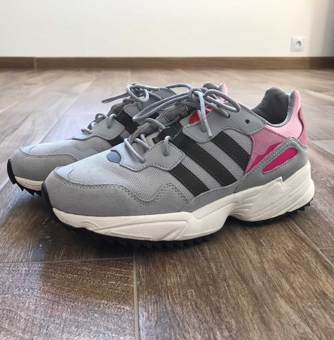 Buty damskie Adidas Skoczów - image 1