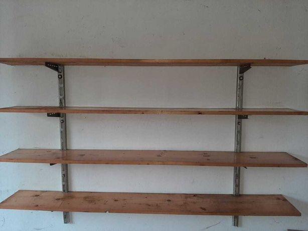 Regał do garażu montowany do ściany
