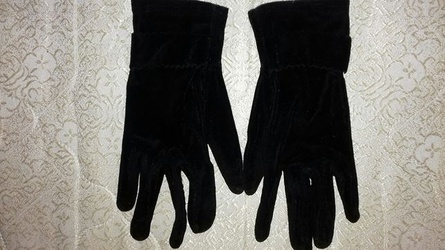 Женские велюровые перчатки