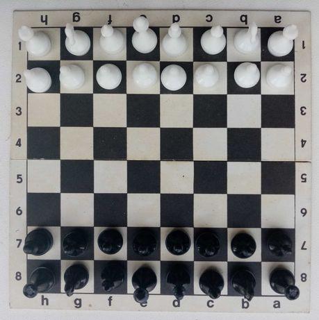 Шахматы, шашки, домино 3 в 1