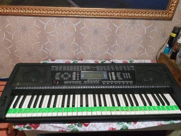 Продаю Синтезатор Elenberg ms-6160