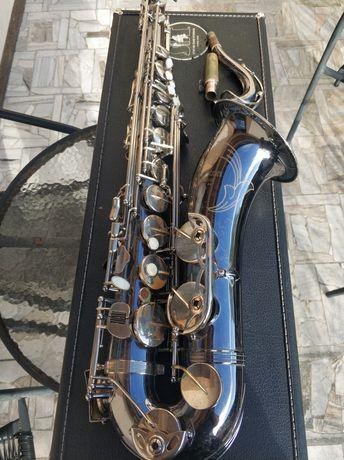 Saxofon tenorowy BOSTON