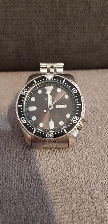 Sprzedam sprawny zegarek.
