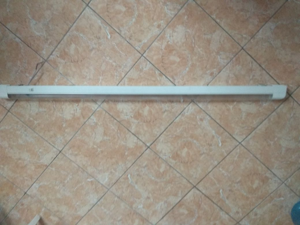 Світильник люмінесцентний 130 см.