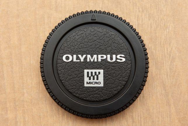 Olympus BC-2 dekielek na body m4/3 nowy oryginalny