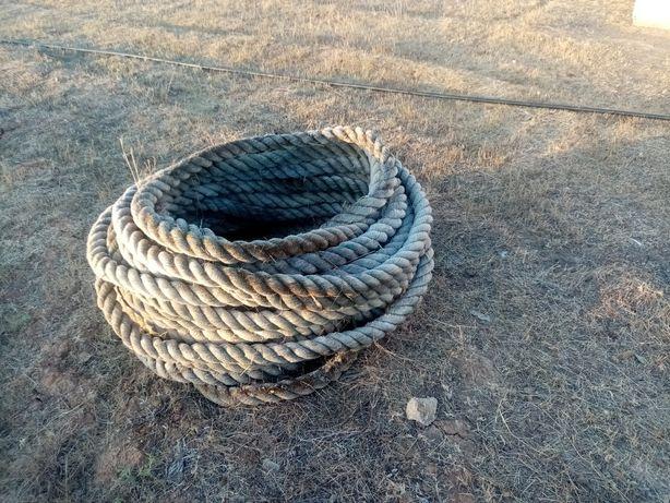 Cordas (cabos marítimos).Para fazer picadeiros
