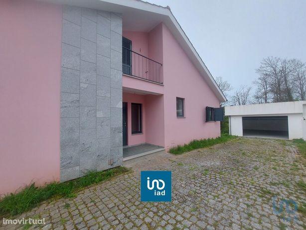 Moradia - 501 m² - T4