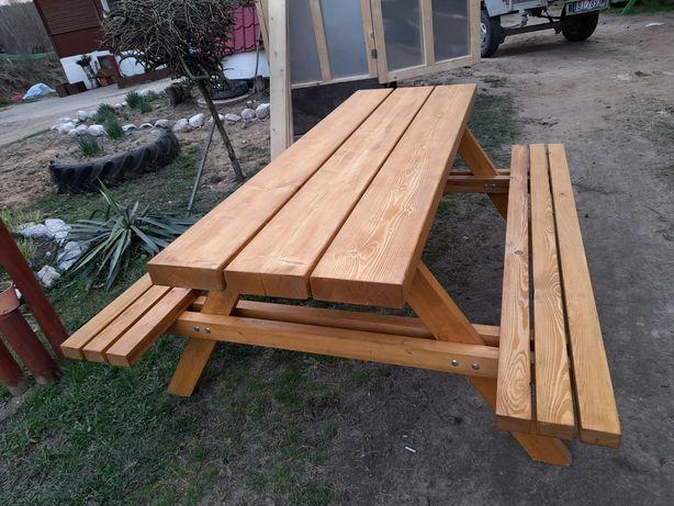 Stół ogrodowy dostawa