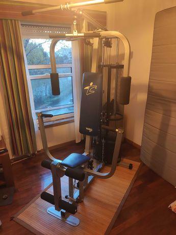Máquina de exercício multifunções
