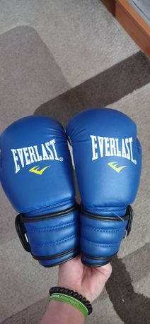 Шлем и перчатки для бокса, детские