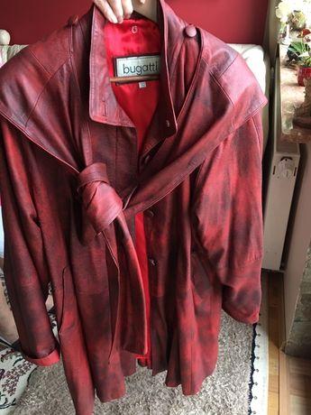 Piękny włoski płaszcz z delikatnej skóry BUGATTI