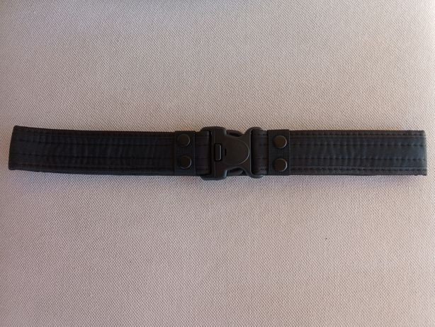 Cinturão militar preto
