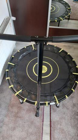 Trampolina fitness DECATHLON z regulowanym uchwytem 110kg