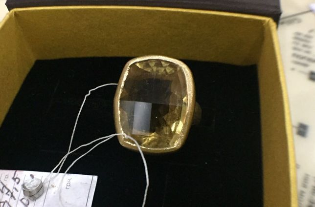 Золоте кольцо 585 с Цитрином в 15 карат.