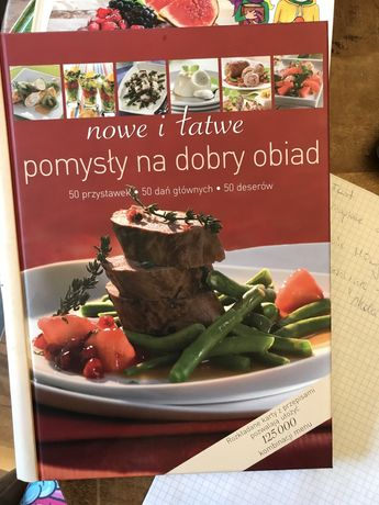 """Książka kucharska """"Nowe i łatwe pomysły na dobry obiad"""""""