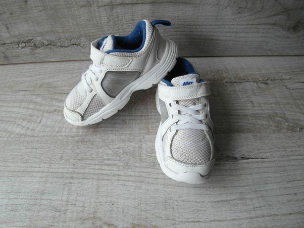 Кроссовки найк (Nike) р. 26,5 длина стельки 16,8 см.
