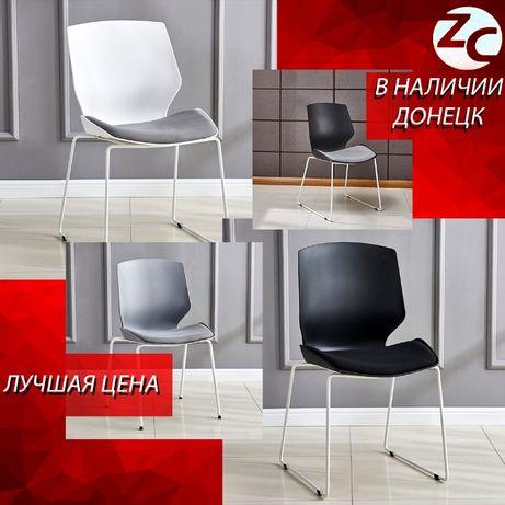 Офисное Кресло современное на конференц системе на раме