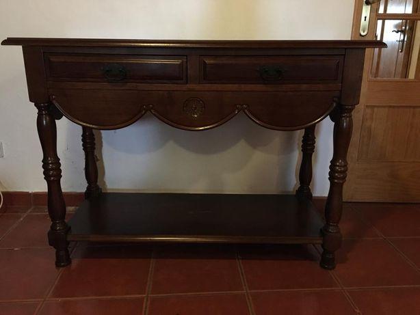 Mesa em Mogno com 2 Gavetas