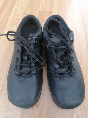 Продам туфли мокасины ботинки keen