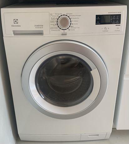 Maquina de lavar e secar Electrolux