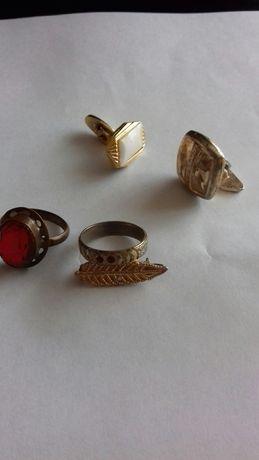 Obrączki pierścionek spinki broszka