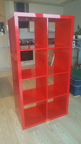 Regał czerwony na książki