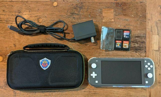 Nintendo Switch Lite 64 gb + 3 игры + чехол