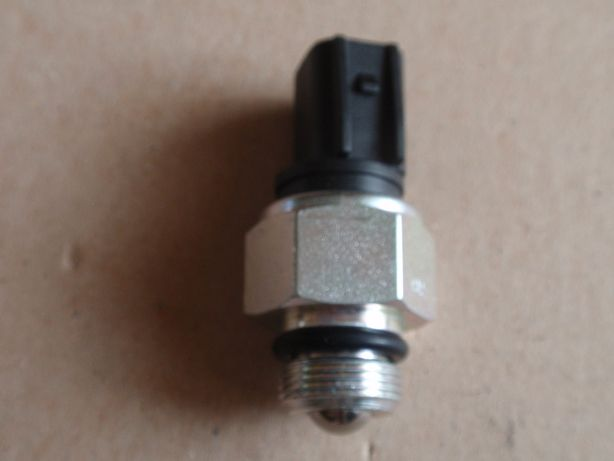 Włącznik światła wstecznego VOLVO v50,c30, s40