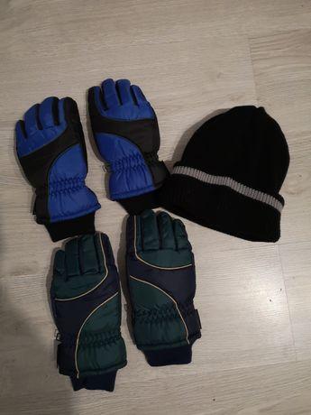 Dwie pary rękawiczek narciarskich rozmiar M + czapka