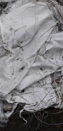 Folia po sianokiszonce I sznurki