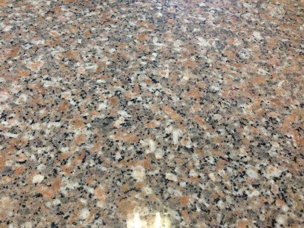 Vendo mesa cozinha em pedra granito