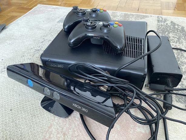 Xbox 360 slim 250 GB + 2 pady + kinect + gry