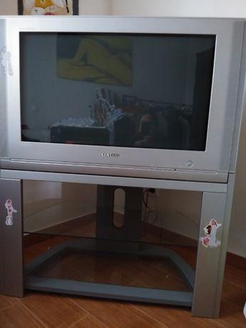 TV Samsung com móvel