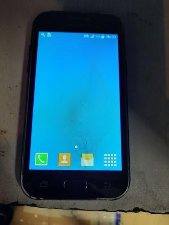 Smartfon Samsung J1