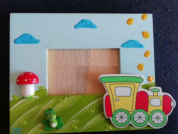 Moldura para quarto de criança - comboio