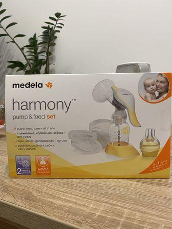 Механический молокоотсос Medela Harmony + Кальма (смарт соска)