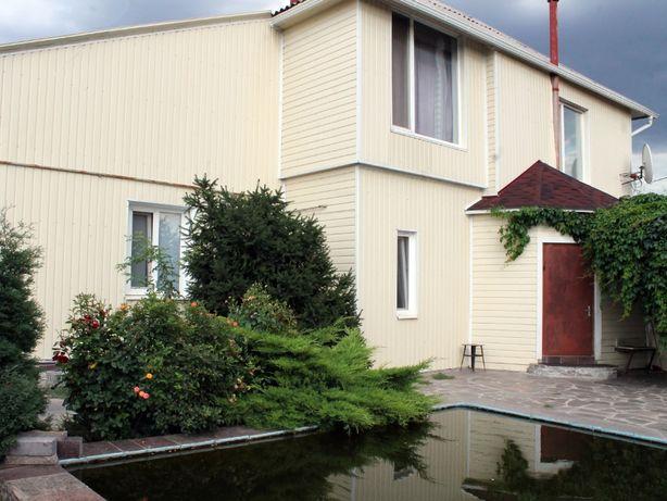 Продам двухэтажный дом. Днепропетровская обл. г. Орджоникидзе
