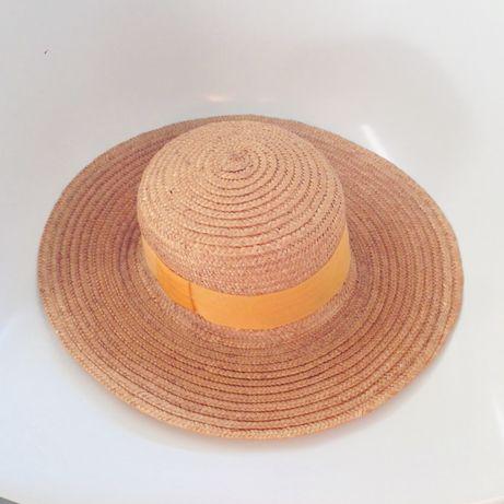 Chapéu de palha. Novo