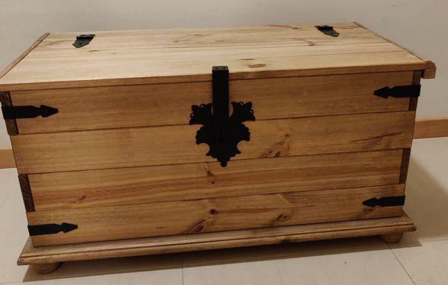 Arca de arrumação em madeira