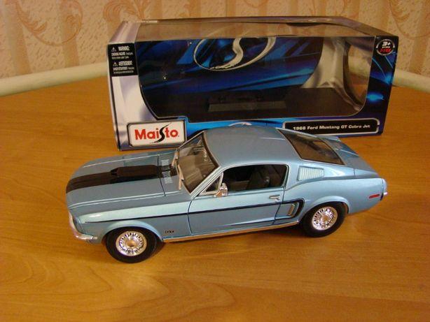 Модель автомобиля 1:18 Maisto Ford Mustang GT Cobra Jet