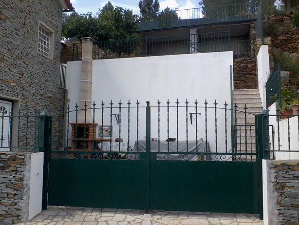 Serralharia civil-Ferro - portões, grades, portas, cercas