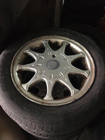 Jantes originais Seat ibiza 14 polegadas com pneus em bom estado