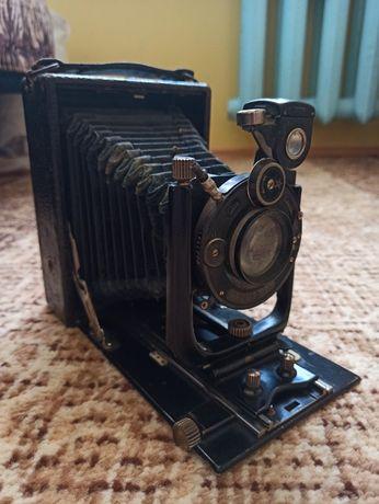 Zabytkowy aparat fotograficzny Ihagee - lata '30 XX wieku