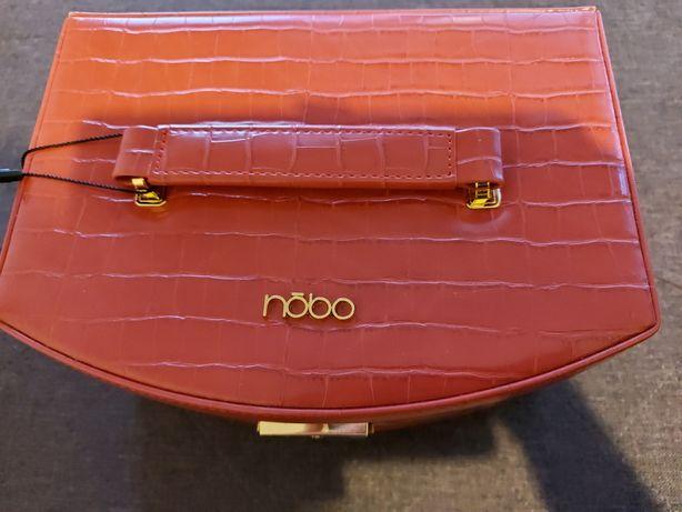 Nowy kuferek na biżuterię