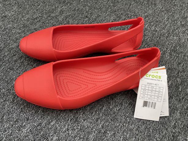 Женские оригинальные Crocs на размер 39 W9