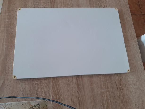 tablica magnetyczna do powieszenia na scianie