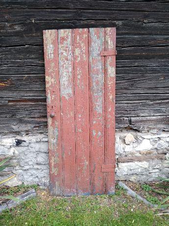 Stare drewniane drzwi stare drewno zabytek antyk do renoewacji