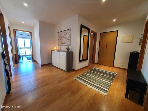 Apartamento T3 na Rinchoa - próximo Fitares Shopping